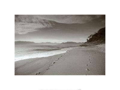 Footsteps_in_sand_brazil